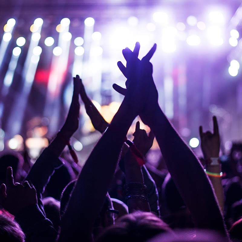 Music-and-Entertainment-group-clapping